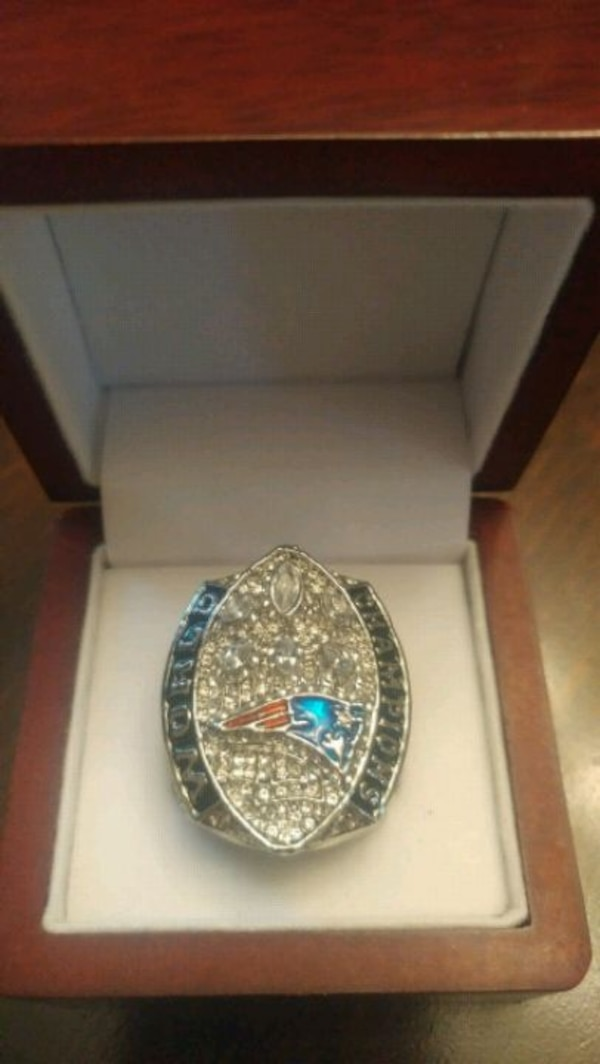 2019 NEW ENGLAND PATRIOTS SUPERBOWL RING 04301777-70bd-4a87-9887-004757eefb49