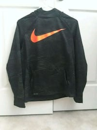 Nike Therma Hoodie, Youth Size XL Aldie, 20105