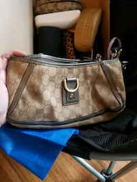 GUCCI PURSE Calgary, T2A 5E6