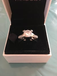 silver and diamond ring in box Kirkland, H9J 3M1
