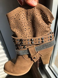 NEW DAZZLE BLING BOOT SUEDE ANKLE 8.5 SIZE BOOT
