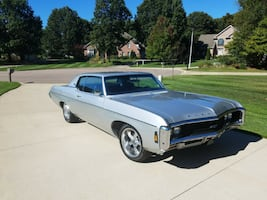 1969 Chevrolet Impala Coupe Rims and tires