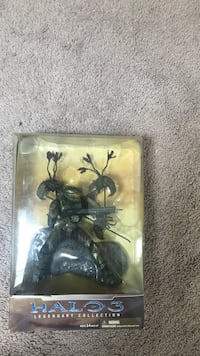 100obo never being opened Halo3 legendary collection