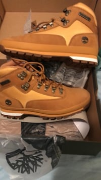 BRAND NEW $80 TIMBS SIZE 10