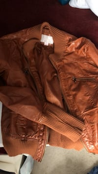 brown leather zip-up jacket Purcellville, 20132
