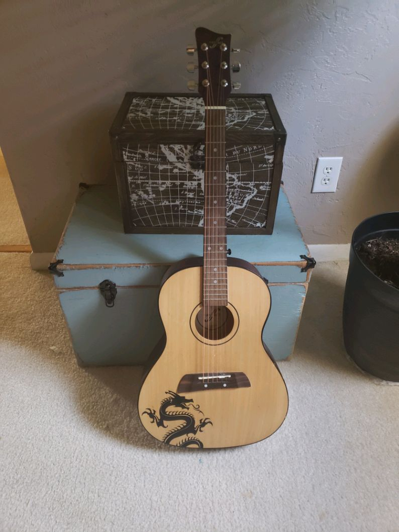 Photo First Act Acoustic Guitar Wood Dragon for Beginners or Kids