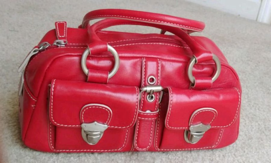 Women's 100% genuine leather cherry red handbag (brand: Hype) 9103c09f-43af-419d-a629-5e7fe40e08ec