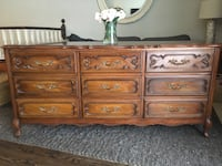 Delivery available - antique French dresser (Malcolm) Toronto, M9B 3C6