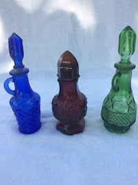 Vintage avon.  mini cruet bottles.  1 blue, 1 green, 3 purple.     $5. each Prince Edward, K8N