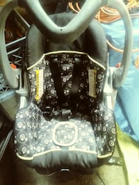 baby's gray and black floral car seat carrier Saginaw, 48602
