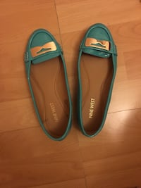 Lightly Used Teal Nine West Flats- Size 5 1/5 but can fit a 6 as well (bag not included...only shoes) Mississauga, L5B 0C6