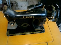 Vintage Singer Sewing Machine Wood Cabinet Eastvale