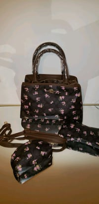 Very cute coach look alike with 2 wallets Oxon Hill, 20745