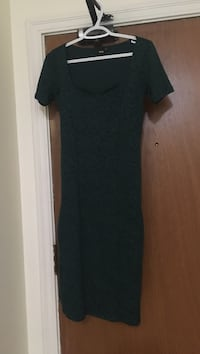 women's green scoop-neck short-sleeved maxi dress Vancouver, V6H 1L7