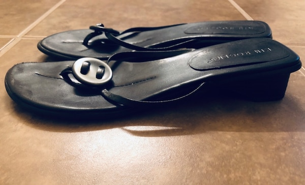 405d4634d Used EUC Like new women s Kim Rogers leather shell sandals flip-flop ...