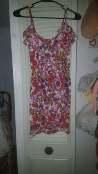 white and red floral scoop-neck dress Kennewick, 99337