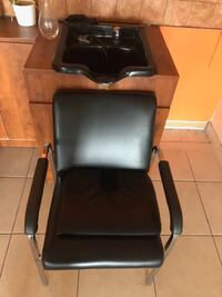 Used Chair & Sink for hair salon.  MONTREAL