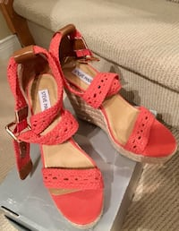 Steve Madden ..summer wedge  Richmond Hill, L4E