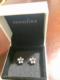Pandora earrings Laval, H7L 5T8