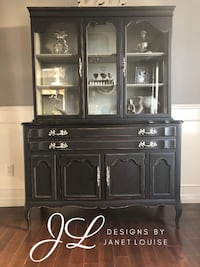 Gorgeous Black Hutch/china cabinet Bowmanville, L1C 0V6