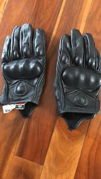 Icon leather gloves..