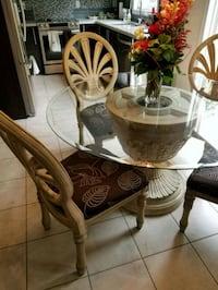 round base glass top table with 4 chairs Pickering, L1X 0C1