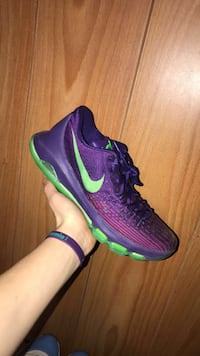 Purple-and-green KD 8 shoes Strasburg, 22657