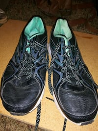 pair of black-and-green Nike running shoes Toledo, 43615