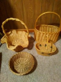 4 WICKER BASKETS Huntington, 25702