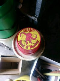 Vintage 1960s barrel of monkeys