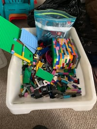 10 gallon bin of LEGO. Various sets and pieces.  Edmonton, T6H