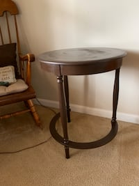 Side table Mount Airy, 21771