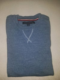 black and gray scoop neck sweater Toronto, M6P 5A2