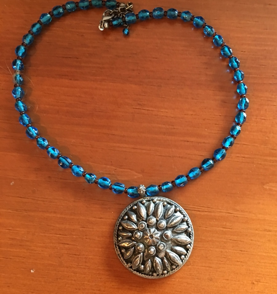blue beaded medallion pendant necklace