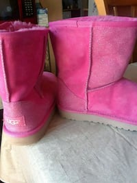 Pink uggs sizes 4 girls Frederick