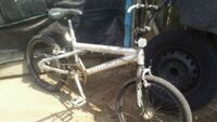 white and blue hardtail mountain bike Parlier, 93648