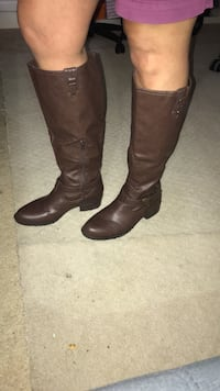 pair of brown leather knee-high boots Laurel, 20724