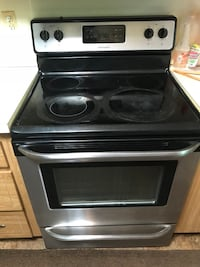 Electric Stainless Steel Oven Richmond Heights, 44143