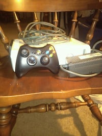 Xbox 360 game console with controller  Wilmington Manor, 19720