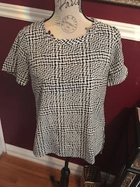 Forever21 ladies houndstooth blouse top size small Oakville, L6H 1Y4