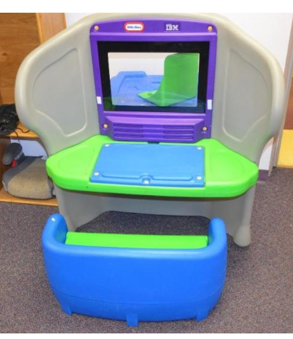 Used Little Tikes Young Explorer computer desk n bench in ...