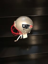New England Authentic Full Size NFL Helmet Vaughan, L4H 0V3