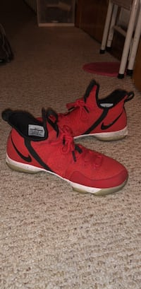 Nike Lebron Solider Red size 6.5 Voorhees, 08043