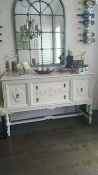 Buffet/Side Board Oakville, L6M 4J9
