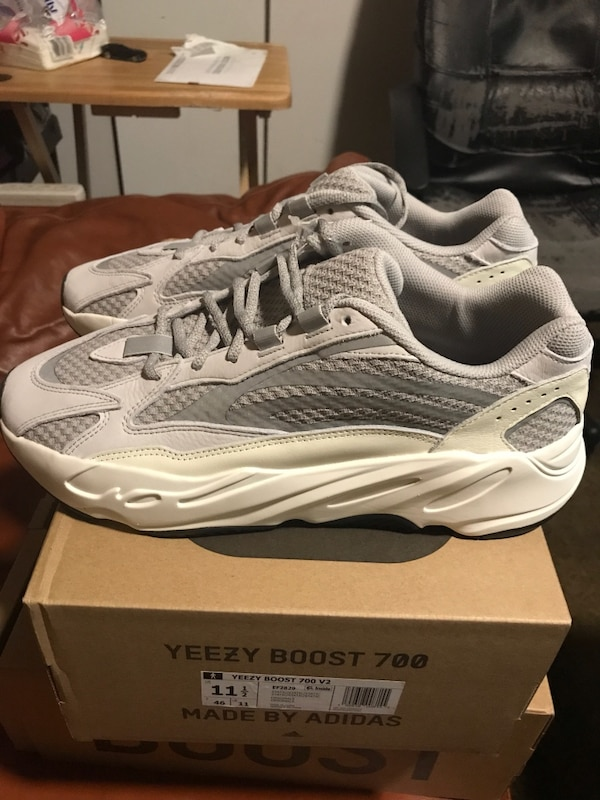 "b9748893d5b46 Used Yeezy Boost 700 ""Static"" Sz. 11.5 DS for sale in San Francisco - letgo"