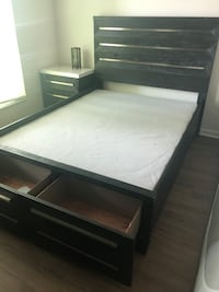 Queen bed frame w/ Storage Orlando, 32819