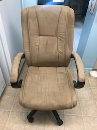 Large Rolling Desk Chair Cockeysville, 21030