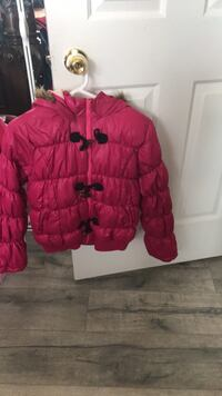 red and black bubble jacket Surrey, V3W
