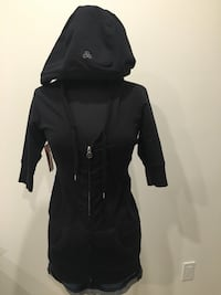 New black TNA hooded zip up size M