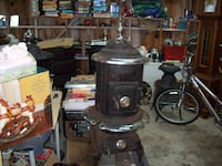 WOOD STOVE ANTIQUE Langley